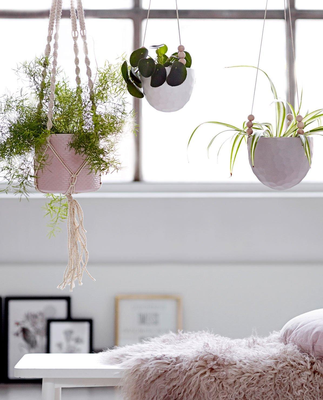 cache pot suspendu deko de l 39 eau. Black Bedroom Furniture Sets. Home Design Ideas