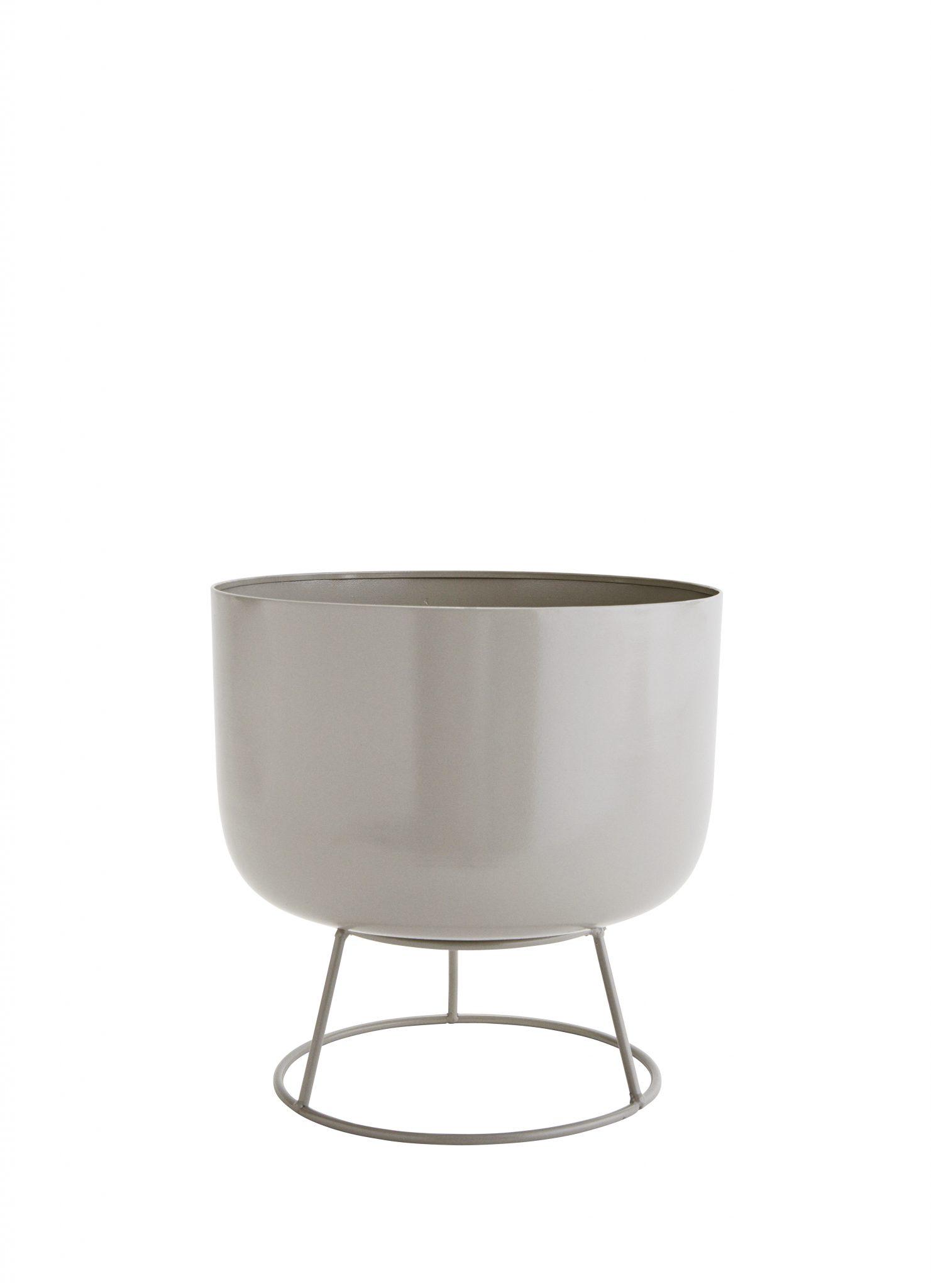 cache pot en m tal sur pieds rond deko de l 39 eau. Black Bedroom Furniture Sets. Home Design Ideas